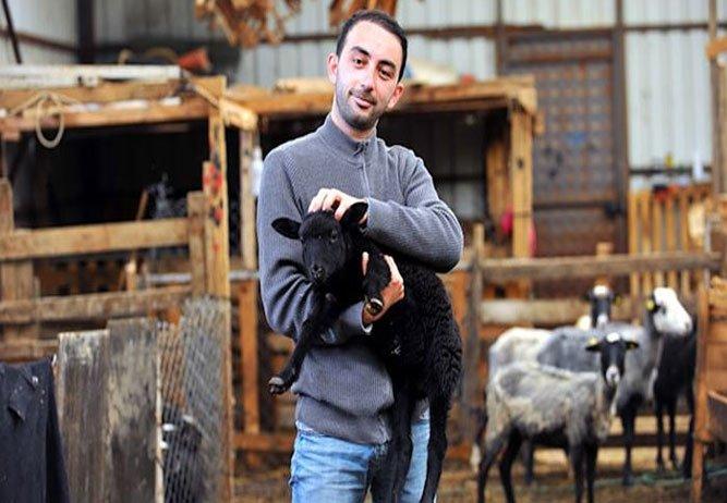 Gazeteciliği bırakıp çoban olmayı tercih etti