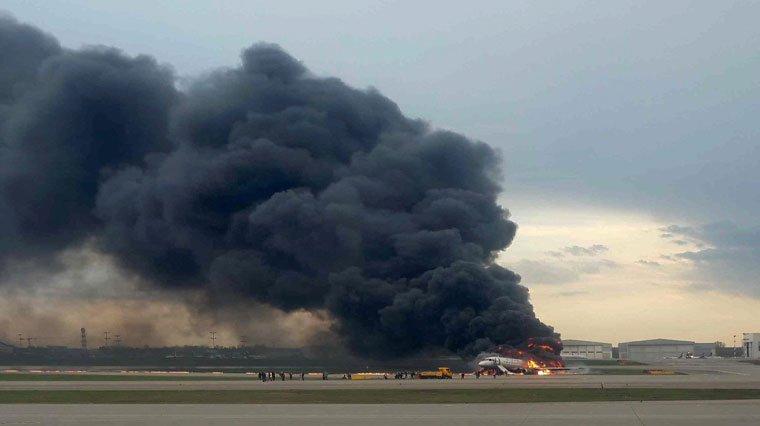 Havada alev alan uçak 41 yolcusuna mezar oldu