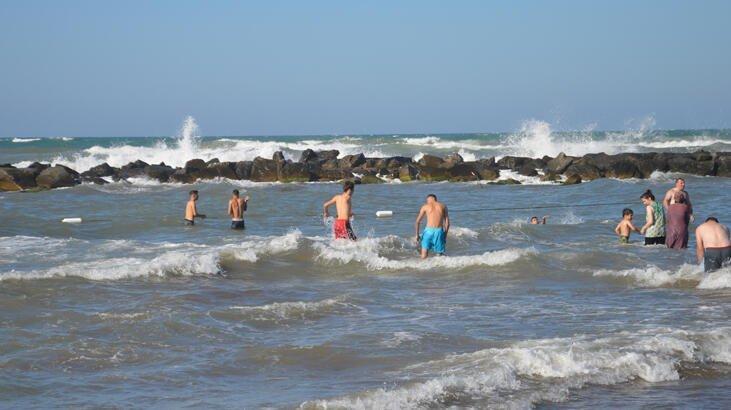 Photo of Sakarya'da Denize Girmek Yasaklandı