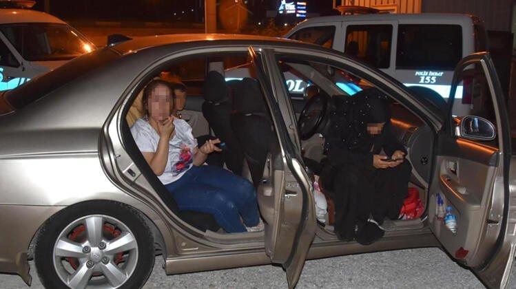 Photo of Sahte Kimlik Veren Hamile Kadınlar Yakalandı0 (0)