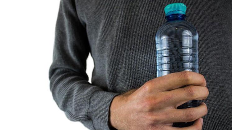 Photo of Pet Şişeden Su İçmek Tehlikeli0 (0)