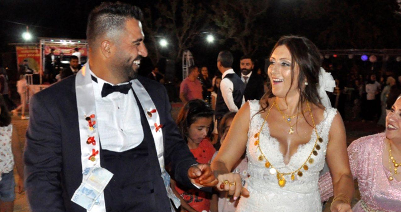 Photo of New York'ta Tanışıp Hakkari'de Evlendiler
